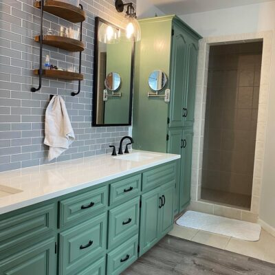 Master Bathroom Makeover (Sherwin Williams Privilege Green Paint)